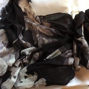 NWT Thin Spring Floral Shiny Scarf